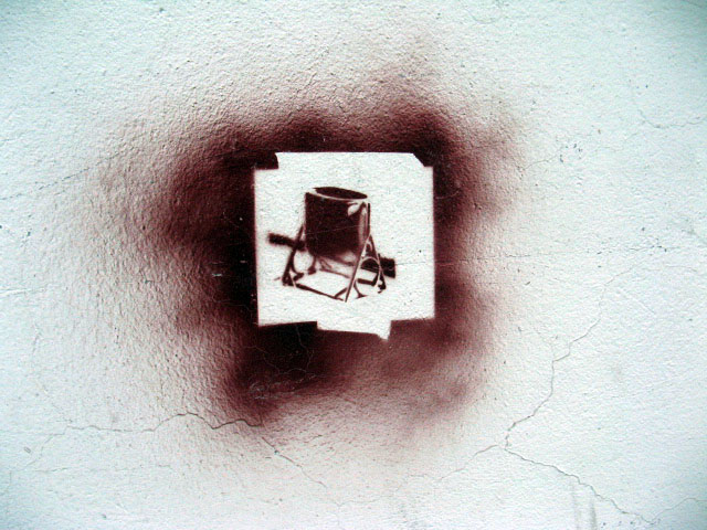 this is an image of a stencil that expresses a garbage can.